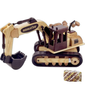 Cinnamon Almonds in Wooden Excavator